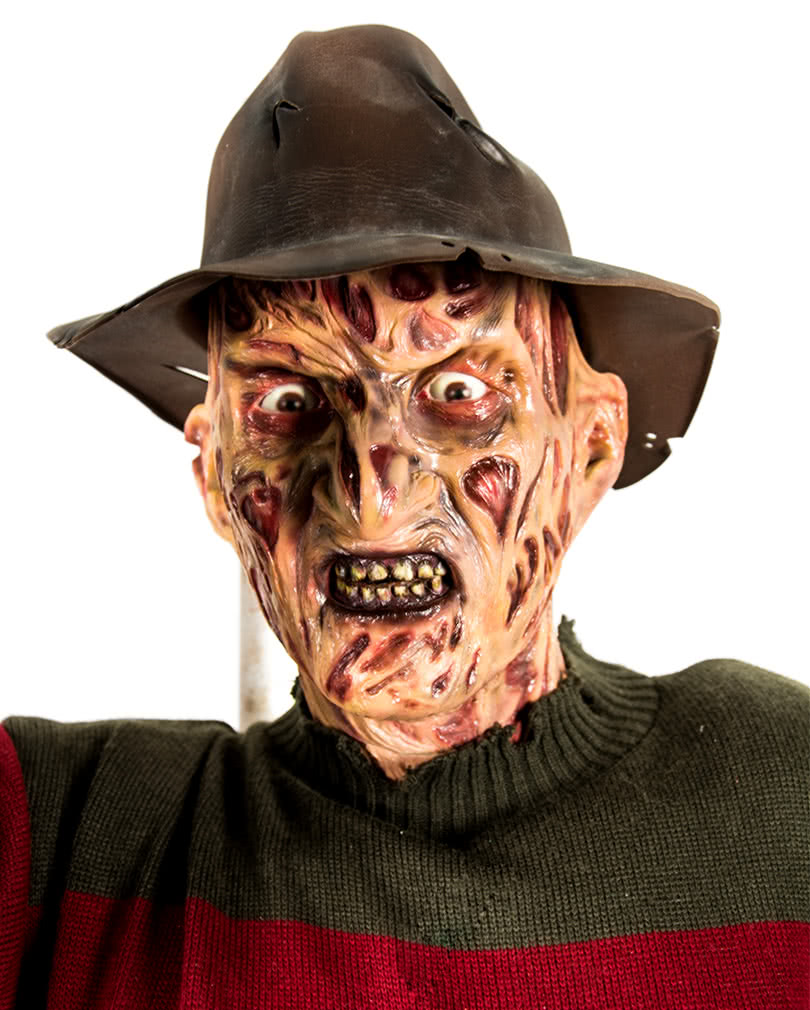 Freddy Krueger collectible figure 2,10m | Iconic horror movie ...