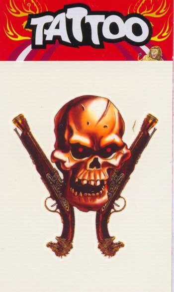 Piraten Tattoo mit Pistolen