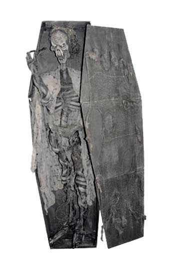 Rotting Coffin with Skeleton 180cm