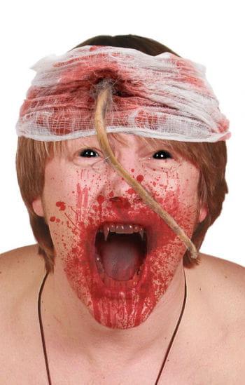 Blutiger Verband mit Rattenschwanz