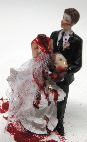 Newlyweds with bride decapitated 14cm