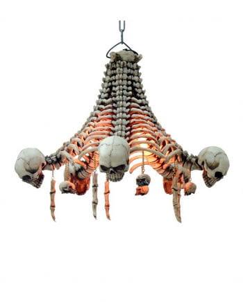 Skelett-Deckenlampe mit hängenden Schädeln