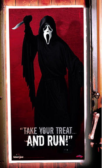 Scream horror film door