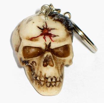 Schlüsselanhänger Schädel mit Spinne