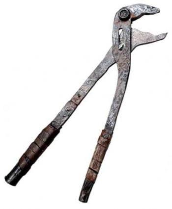 Folter Werkzeug Rohrzange