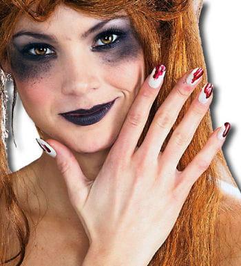 Fingernägel leuchtend und blutig