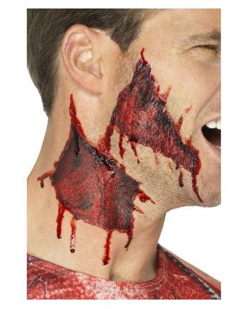 Klebetattoos aufgerissene Haut