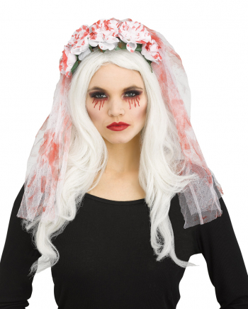 Bloody Bridal Veil With Roses