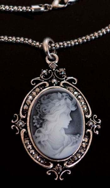 Necklace with Cameo Pendant
