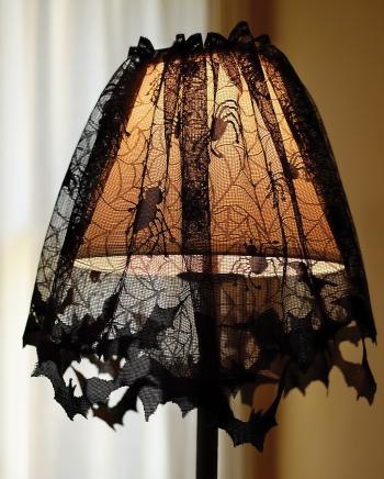 Lampenschirm Überwurf aus schwarzer Spitze