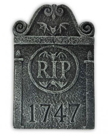 Mini grave stone RIP 1747